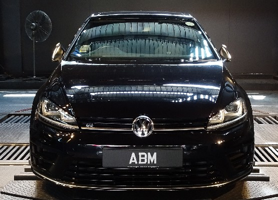 [SOLD] 2015 VOLKSWAGEN GOLF R 2.0L 5DR